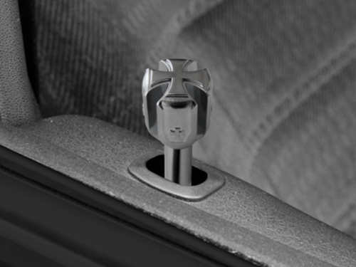 pestillos de puerta Iron Cross_montaje universal_cromado